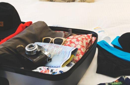 valise vetements voyage Asie
