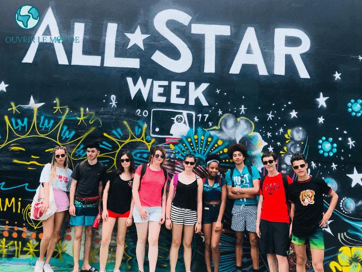 Jeunes à Wynwood lors d'un séjour avec le CEI-Colo CEI à Miami
