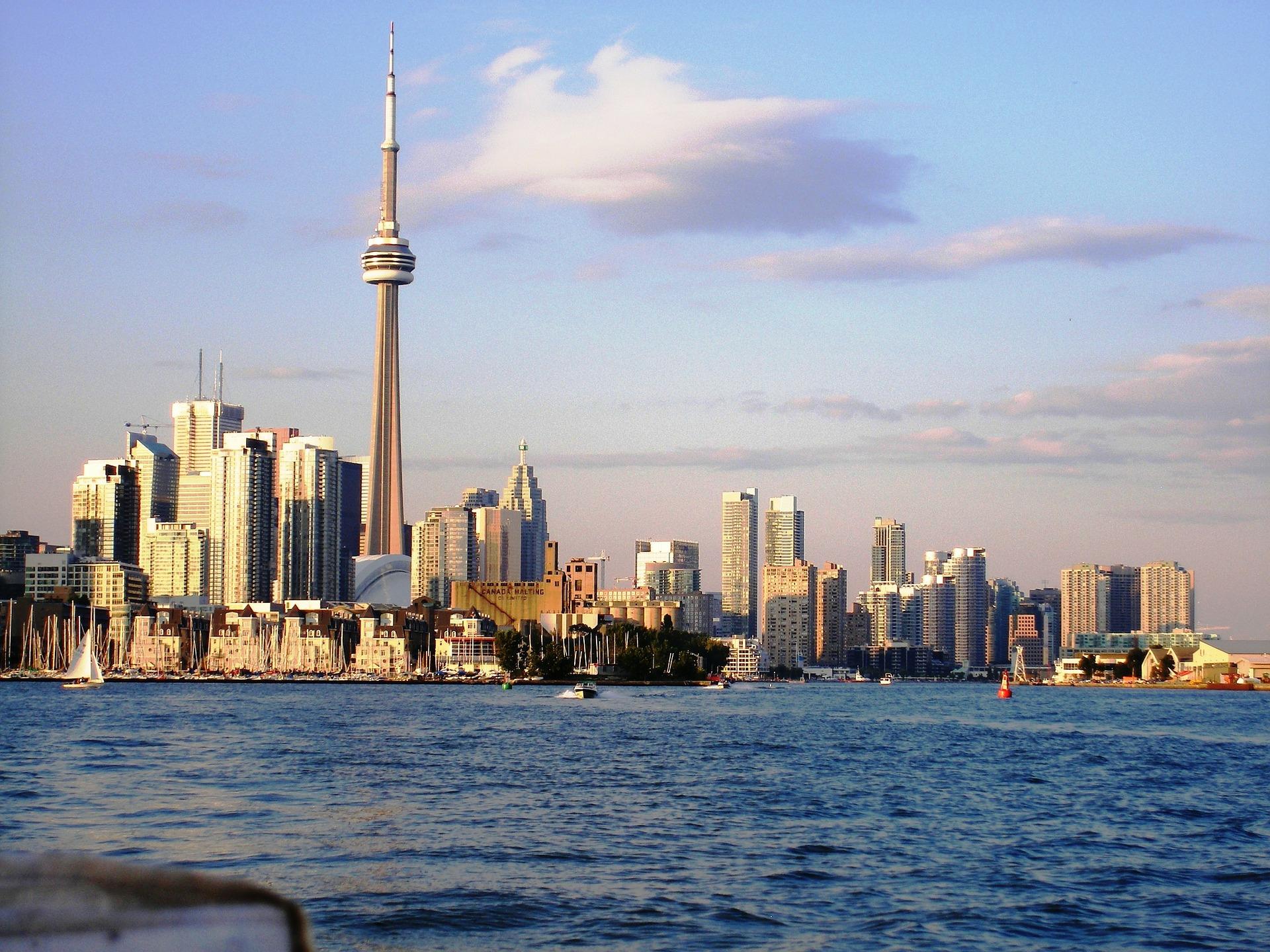 Travailler autrement au Canada-Vue sur Toronto et la CN Tower